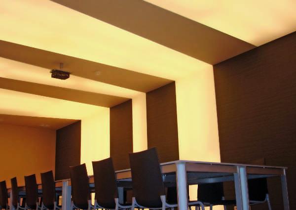 Plafond tendu salle de réunion